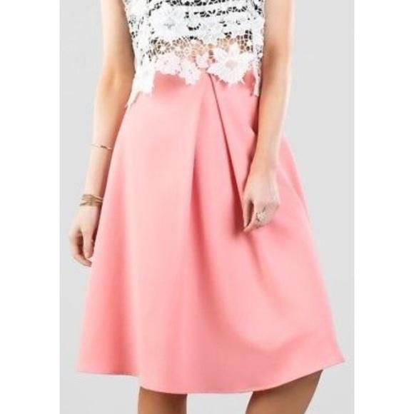 425f4d5b4 Francesca's Collections Dresses & Skirts - Francesca's 🎀 Pink Midi Skirt